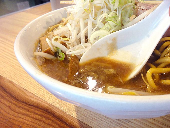 シャンガリララーメンのスープ