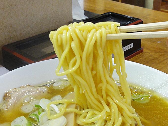 藤味亭の麺