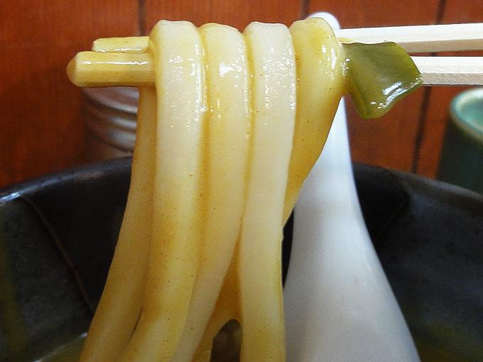 鯱乃家カレーうどんの麺