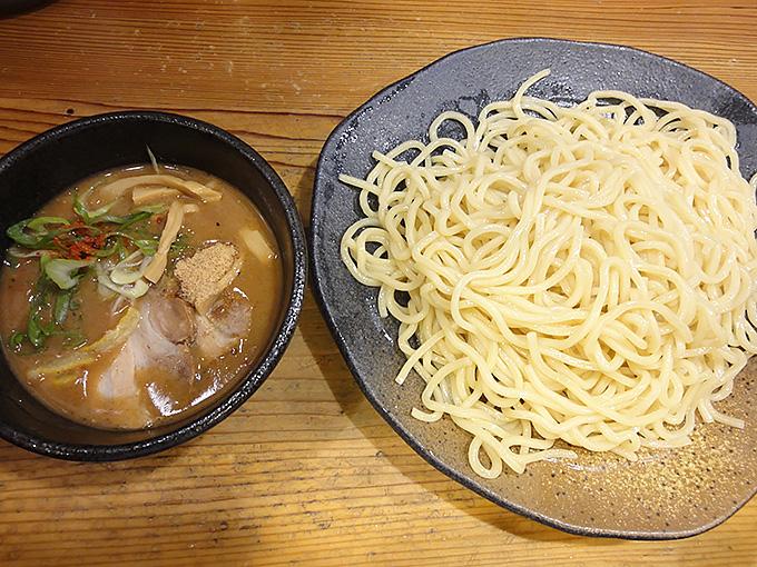 つけ麺本丸 栄店 名古屋市中区栄にあるつけ麺と中華そば