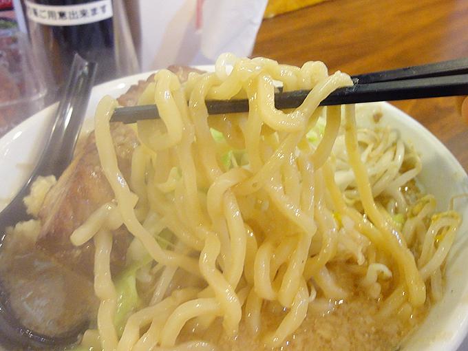 男気味噌の麺
