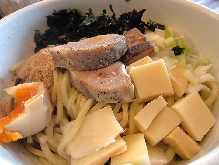 Omotenashi Noodles よこじ 豊田市のラーメン・まぜそば
